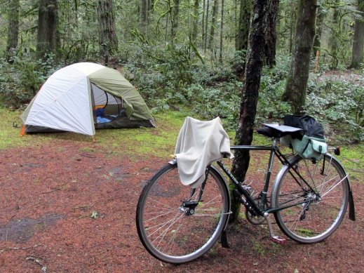 Kelley's tent and Schwinn Voyageur.