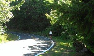 A roadie climbs Rocky Butte