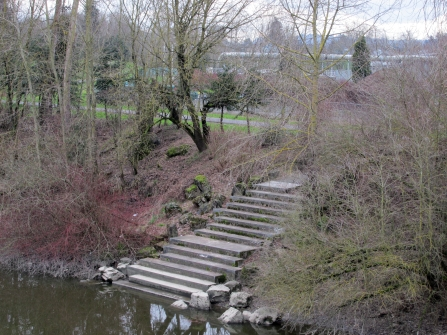 Steps into the Columbia Slough, primarily meant for kayaks/canoes