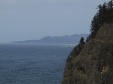 looking-north-from-cape-meares-towards-neahkahnie-mountain_26126690670_o
