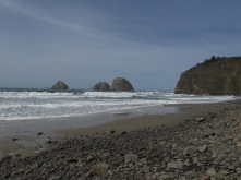 oceanside-oregon-with-three-arch-rocks_26333345951_o