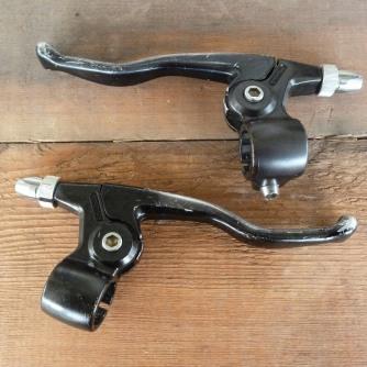 """Shimano BL-M700 brake levers, Deore """"deerhead"""" series."""