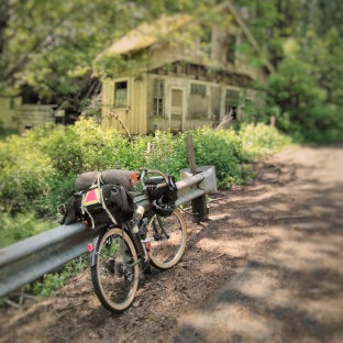 from-sunday-on-the-coastminitourmay2017-the-abandoned-store-in-jewell_34094504084_o