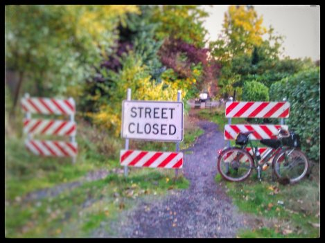 one-of-my-favorite-unimprovedstreetsofportland-sw-19th-at-magnolia-roadwaynotimproved-unimprovedstreets_26139179299_o